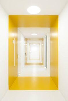 ACXT, Archivgebäude, Bilbao, Spanien, Glasfassade, Flur zu Archivräumen