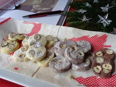 Eat Me Drink Me, Desert Recipes, Christmas Cookies, Sweet Recipes, Food, Fine Dining, Xmas Cookies, Christmas Crack, Christmas Biscuits