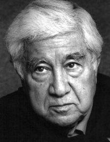 """9 KASIM 1994 - Aziz Nesin """"Uluslararası Basın Özgürlüğü Ödülü""""nü aldı. Ödülü, merkezi New York'ta bulunan Gazetecileri Koruma Komitesi verdi."""