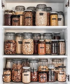 When your friend has enviable pantry-organisation skills 😱Think we might have to cancel all plans today for bulk-food… Kitchen Organization Pantry, Home Organisation, Organization Hacks, Organized Pantry, Pantry Storage, Organizing, Ikea Kitchen Storage, Pantry Diy, Pantry Labels