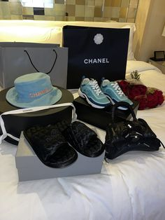 Luxury Lifestyle Women, Black Couples Goals, Relationship Gifts, Best Wear, Photo Dump, Fashion Brand, Chanel, Make It Yourself, Gift Ideas