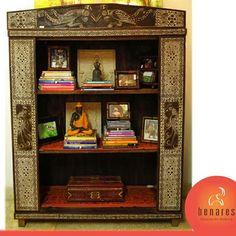 Mueble en madera de Timor, conocida también como madera de hierro.