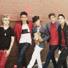 IM5…Can i have the bear dana is holding??♥