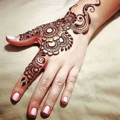 Adorable mehndi design