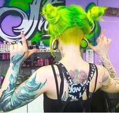 #ColoredBeauties #crazycolours #haircoloring #hairgoals #Emo #alternative #hair #Goth #cute #girl #piercing #tattoo #Scene #makeup #Punk #hairstyles #EmoMemes #EmoFashionClub #EmoSceneGothicPunk Pretty Hairstyles, Wig Hairstyles, Hair Rainbow, Hair Colorful, Neon Hair, Neon Green Hair, Alternative Hair, Coloured Hair, Dye My Hair