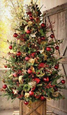 déco d'arbre de Noël en rouge et vert                                                                                                                                                                                 Plus