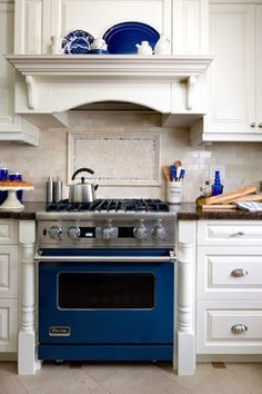 Cobalt Blue Viking Range Design Ideas, Pictures, Remodel, and Decor
