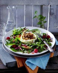 Das Rezept für Kräutersalat mit Ziegenkäse, Avocado und Himbeere und weitere kostenlose Rezepte auf LECKER.de