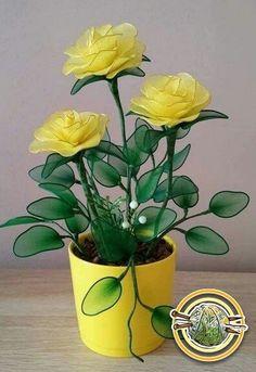 Nylon Flowers, Wire Flowers, Cloth Flowers, Flower Vases, Fabric Flowers, Paper Flowers, Flower Crafts, Flower Art, Nylon Crafts
