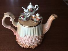 Royal Albert Cardew Old Country Roses Autumn Ladies 1996 Collectors Tea Pot   faef761856