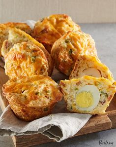 Egg Breakfast Recipes - Bacon Egg And Cheese Breakfast Muffins Muffin Tin Breakfast, Breakfast Recipes, Breakfast Ideas, Brunch Ideas, Breakfast Pastries, Protein Breakfast, Breakfast Bake, Muffin Tins, Brunch Recipes