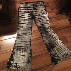 """Amazing tie-dye pants Sick pants!! Black white and grey tie-dye palazzo pant.  95% rayon 5% spandex. Kick ass pants! 32"""" waist. 34"""" inseam. Blue Sky Pants"""