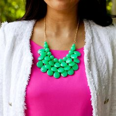 Ihanat värit <3 Love the colors: bright pink with a emerald green necklace