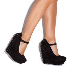 Shoedazzle Lillian Wedge Heel