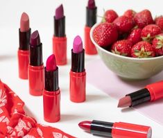 Makeup Brush Hacks, Oriflame Beauty Products, Online Beauty Store, Beauty Companies, Starting Your Own Business, Creme, Cosmetics, Lipsticks, Woman