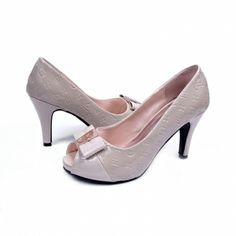Order for replica handbag and replica Louis Vuitton shoes of most luxurious designers. Sellers of replica Louis Vuitton belts, replica Louis Vuitton bags, Store for replica Louis Vuitton hats. Louis Vuitton Pumps, Louis Vuitton Online, Louis Vuitton Sunglasses, White Pumps, Shoes Outlet, Beautiful Shoes, Designer Shoes, Patent Leather, Peep Toe