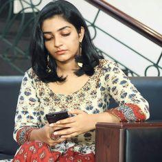 Nivedha Thomas, Malayalam Actress, Indian Ethnic, Simply Beautiful, Sari, Actresses, Tops, Women, Fashion