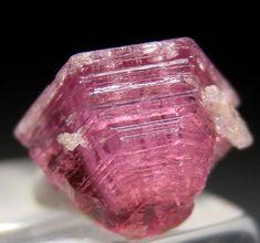 Pezzottaite from Sakavalana Mine, Ambotavita, Fianarantsoa, Madagascar Minerals And Gemstones, Crystals Minerals, Rocks And Minerals, Stones And Crystals, Gem Stones, Cool Rocks, Mineralogy, Mineral Stone, Rocks And Gems