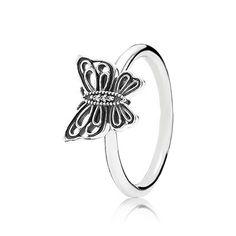 Anillo de la marca Pandora de plata de ley http://www.marjoya.com/joyas-de--plata-joyas-pandora-anillos-sortijas-anillo-pandora-plata-190901cz-54-p-10111.html