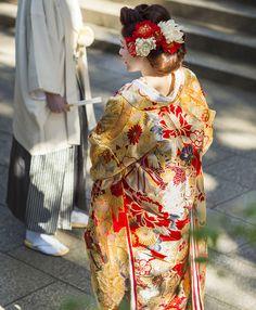 和装・着物 | ウェディングドレス、着物ならマ・シェリ Japanese Kimono, Japanese Style, Wedding Kimono, Japanese Wedding, Japanese Characters, Couture Details, Kimono Dress, Folk Costume, Traditional Outfits