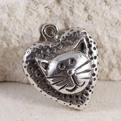 Sterling Silver - SAVE THE CHILDREN Kitty Cat Heart 2.5g - Charm Pendant BW1162