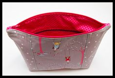 Guest Tutorial: Katy's Pocketed Cosmetic Bag | SewHappyGeek