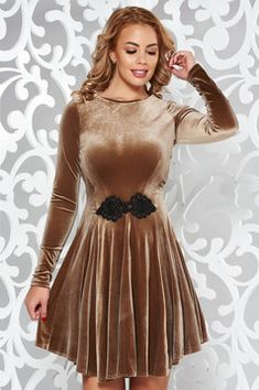 Brown occasional dress from velvet with small beads embellished details Junior Formal Dresses, Formal Dresses For Teens, Dressy Dresses, Modest Dresses, Sexy Dresses, Vintage Dresses, Girls Dresses, Summer Dresses, Fashion Dresses