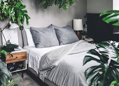 Stunning Tricks: Minimalist Home Design Interior minimalist bedroom scandinavian chairs.Minimalist Bedroom Diy Wardrobes minimalist home with kids kitchens. Minimalist Apartment, Minimalist Home Interior, Minimalist Bedroom, Minimalist Decor, Modern Minimalist, Apartment Bedroom Decor, Modern Bedroom Decor, Design Bedroom, Bedroom Furniture