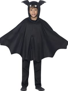 Shop Kids Hooded Black Bat Halloween Costume Cape online now at Heaven Costumes. Add this hooded black cape for boys or girls to a number of Halloween fancy dress costumes for a spooky look this year! Fancy Dress For Kids, Halloween Fancy Dress, Halloween Kostüm, Halloween Outfits, Halloween Costumes For Kids, Bat Costume Boy, Vampire Fancy Dress, Batman Cape, Capes For Kids