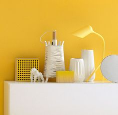 White becomes even cooler and crispier when combined with yellow
