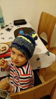 Boys hat with pompon