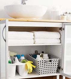 bathroom sink organization
