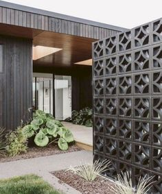 Extraordinary Breeze Block Ideas For Beautiful Home Style 170 – DECOOR cinder block wall Breeze Block Wall, Mid Century House, House Exterior, Privacy Fence Designs, Building A Raised Garden, House Design, Beautiful Homes, Exterior, Fence Design