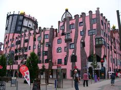 Hundertwasser house Green Zitadelle in Magdeburg Friedensreich Hundertwasser, Architecture Old, Beautiful Architecture, Fairytale House, Line Photo, Fantasy House, Unusual Homes, Amazing Buildings, Building Structure
