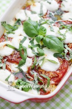 pieczone pomidory Vegetable Recipes, Vegetable Pizza, Mozzarella, Casserole, Health Fitness, Meat, Chicken, Dinner, Vegetables