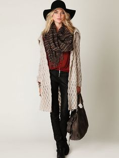 Love the layering and accessories for fall/winter.