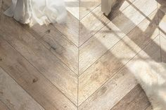 The look of wood flooring gives any room the feel of luxurious comfort. Shop South Cypress today for our great selection of wood look tile & wood grain tile! Wood Look Tile Bathroom, Wood Look Tile Floor, Wood Tile Floors, Kitchen Flooring, Kitchen Wood, Kitchen Modern, Kitchen Tiles, Entryway Flooring, Wood Walls