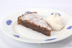 Nötsemmelkladdkaka Dessert Table, How To Make Cake, Kids Meals, Desserts, Tailgate Desserts, Deserts, Bar Cart, Postres, Dessert
