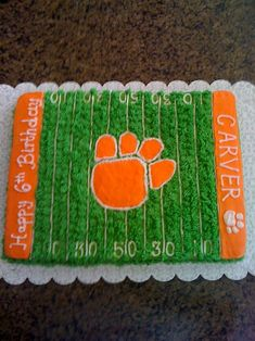 Would be a cool little boys cake if it were a better team