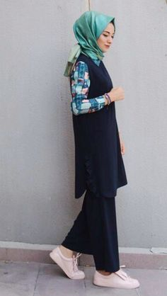 Modest Clothing, Modest Outfits, Chic Outfits, Summer Outfits, Woman Suit, Street Hijab Fashion, Hijab Chic, Girl Fashion, Womens Fashion