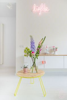 like this 'liefde' (love) neon light. also love the white with pops of colour, the table, the raised cupboard etc. Zuiver voor HEMA, by zilverblauw. Cosy Living, My Living Room, Home Interior Design, Interior Styling, Interior Office, Room Inspiration, Interior Inspiration, Küchen Design, House Design