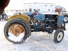 Ford 2600 tractor salvaged for used parts. This unit is available at All States Ag Parts in Black Creek, WI. Call 877-530-2010 parts. Unit ID#: EQ-25437. The photo depicts the equipment in the condition it arrived at our salvage yard. Parts shown may or may not still be available. http://www.TractorPartsASAP.com