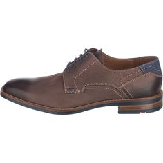 Diese LLOYD Ike Business Schuhe sind aus Leder gearbeitet und zeigen sich mit dezentem Muster am Einstieg. Die ebenfalls lederne Decksohle ist angenehm gepolstert. <br /> <br /> - Verschluss: Schnürung <br /> - verstärkter Zehen- und Fersenbereich <br /> - flexible Laufsohle <br /> - kleiner Blockabsatz <br /> - Schuhweite: F<br /> <br /> Obermaterial: Leder (Kalbsleder)<br /> Futter: Leder, Tex...