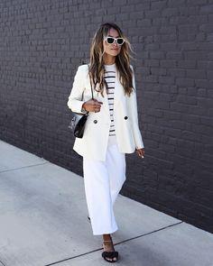 Keepin' it sleek in @massimodutti for a day of meetings. 🖤 #dressedindutti