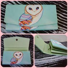 Nama  Produk : Dompet Owl Tosca Harga : 50rb Ukuran   : 20cmx35cm Bahan : Kulit Sintetis Bentuk Dompet : Lipat 3 ,1 slotfoto, 3 slotcard