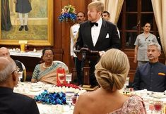 King Willem-Alexander and Queen Maxima attended a state banquet in New Delhi. The Queen had a large chinon with the evening gown. Princess Stephanie, Princess Estelle, Princess Charlene, Princess Madeleine, Crown Princess Victoria, Pregnant Princess, Religious Wedding, Charlene Of Monaco, Tiara Hairstyles