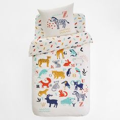 Little animal lovers will adore the Animalia collection. Printed with motifs of the animal kingdom's most popular creatures, this is the perfect bedding for a cute bedroom. Made from 100% cotton.100% cotton (57 threads/cm²)Easy careMachine washavble at 60ºCThe Oeko-Tex® label guarantees that this product includes no harmful substancesNursery- 140 x 150cmSingle- 140 x 200cm