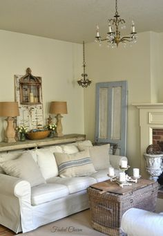 Today I& like to share the rest of my living room with a few more touches of blue. I used to have a lot of color i. Shabby Vintage, Shabby Chic, Furniture Styles, Home Decor Furniture, Living Room Decor, Living Spaces, Living Rooms, Family Rooms, French Country Living Room