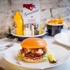 What to see, do and eat this week (including the ultimate burger with an Italian twist) http://uk.bazaar.com/1D5Uf3v