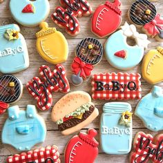 Never too hot for a BBQ! 🍔🍉 🌭 Well maybe here in California where it's Summer Cookies, Baby Cookies, Baby Shower Cookies, Cookies Et Biscuits, Heart Cookies, Valentine Cookies, Easter Cookies, Birthday Cookies, Christmas Cookies